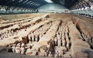 Терракотовая армия императора Цинь в Китае