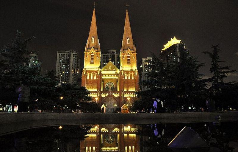 Что посмотреть в Шанхае: Католический Собор Св. Игнатия (Сюйцзяхуэй)