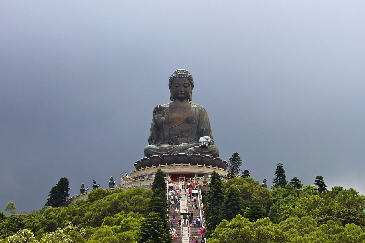 Статуя Будды на острове Лантау