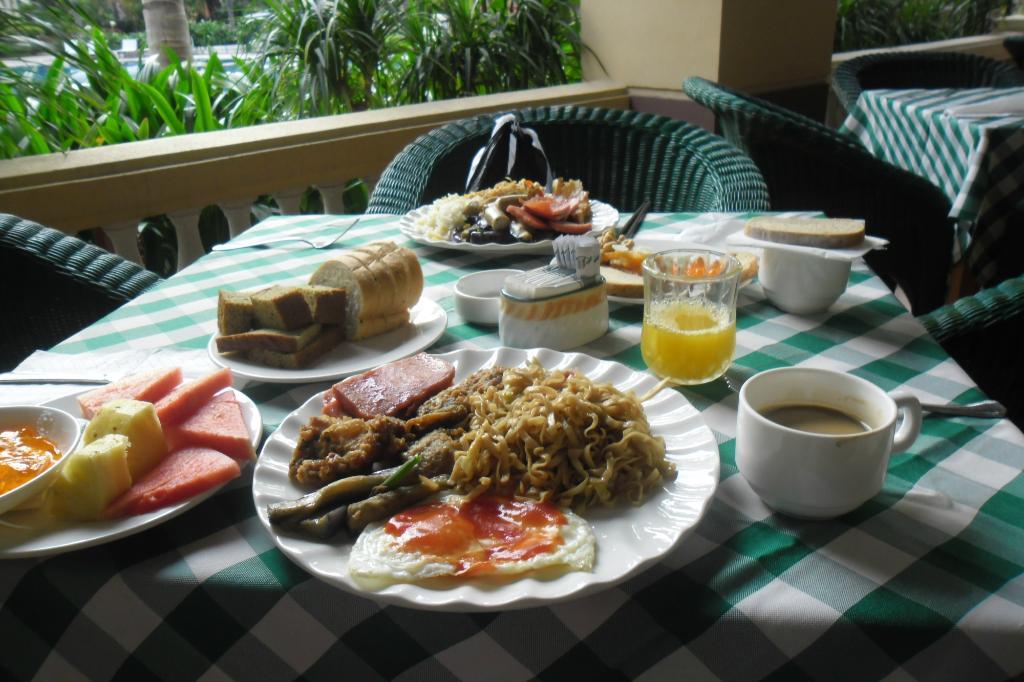 Завтрак в отеле Palm Beach Resort & Spa 5*