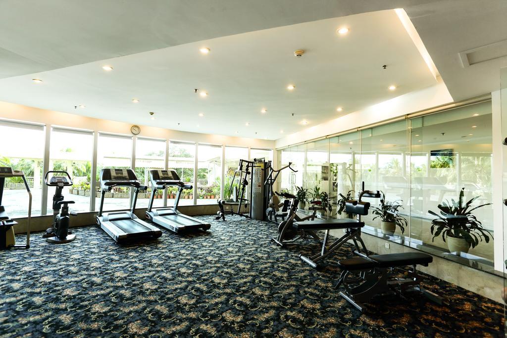 Тренажерный зал в отеле Интайм Санья на Хайнань