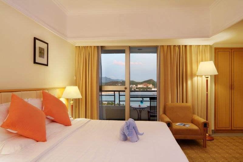 Отель Sanya Pearl River Garden 4*