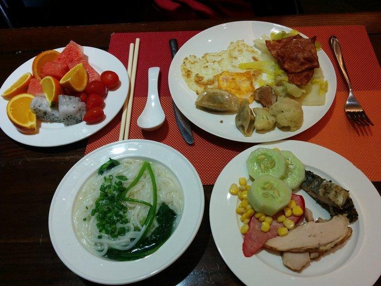 Завтрак в отеле Барри Бутик 5*, Китай Санья