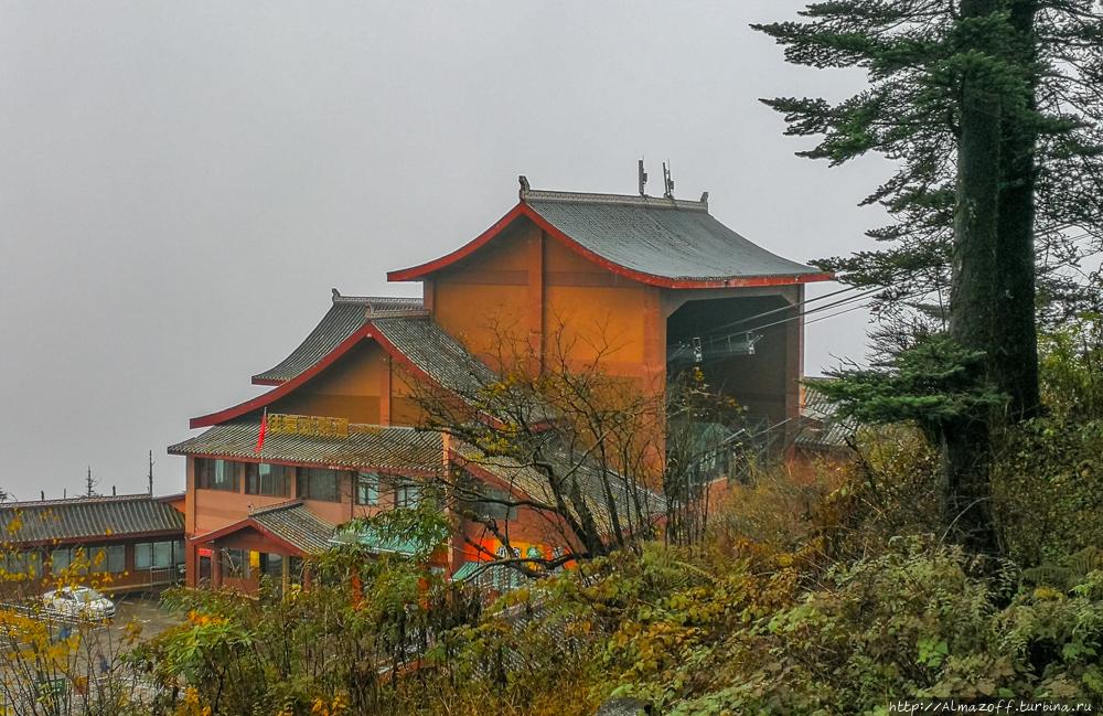 Храм Золотой вершины
