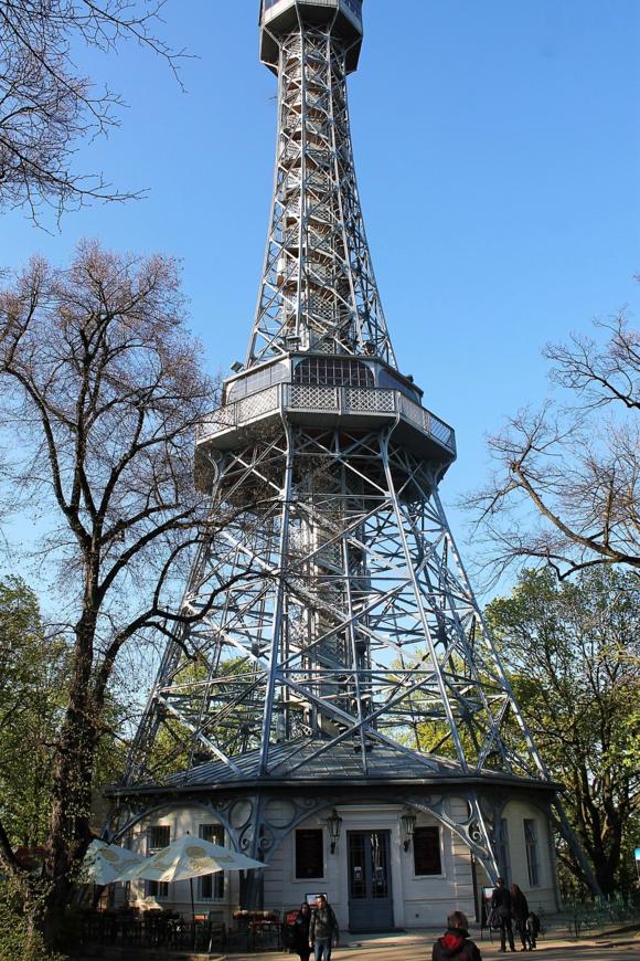 Копия Эйфелевой башни в Тяньду
