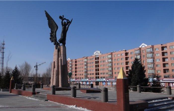 Памятник Галине Дубеевой и музей
