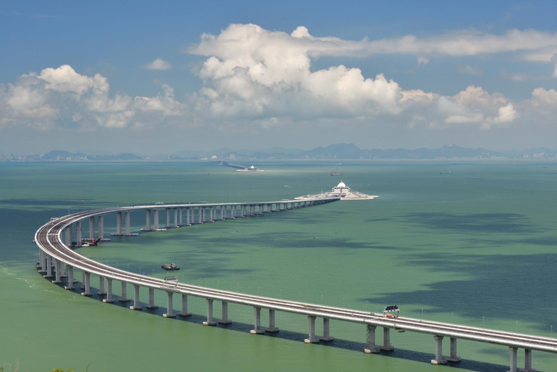 Транзитный мост из Гонконга через Чжухай в Макао