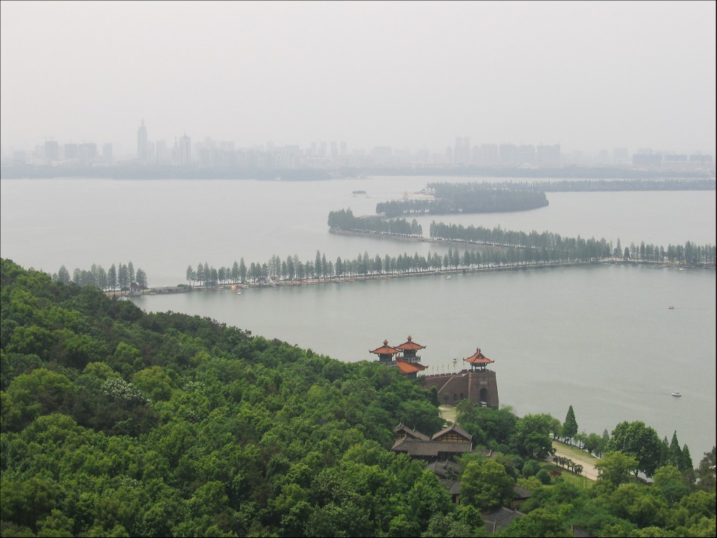 Озеро Дунху