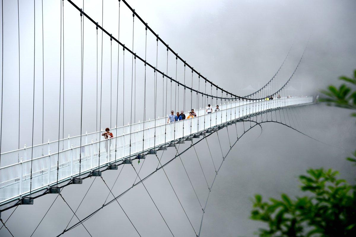 """Хаохань Цяо"" – стеклянный мост"