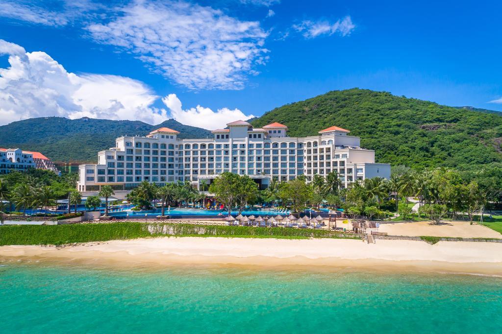 Лучшие отели Саньи возле моря с собственным пляжем
