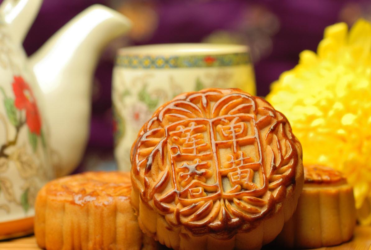 Праздник середины осени и лунных пряников в Китае
