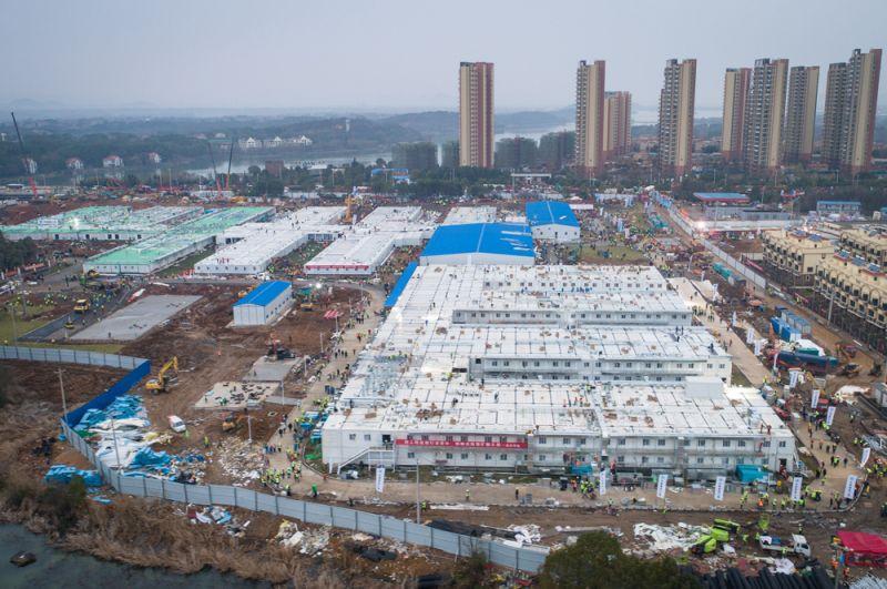 Новая инфекционная больница в городе Ухань, построенная за 10 дней
